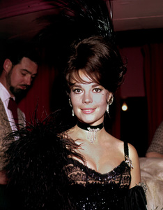 """Share Party,"" 1965.Natalie Wood. © 1978 Bernie Abramson - Image 10736_0006"