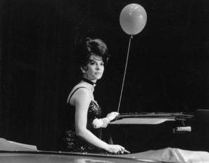 """""""Share Party""""Natalie Wood, 1964 © 1978 Chester Maydole - Image 10736_0007"""