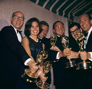 """Emmy Awards"" Richard Deacon, Mary Tyler Moore, Dick Van Dyke, Sheldon Leonard, Bill Persky, Carl Reiner 1963 © 1978 Bernie Abramson - Image 10738_0009"