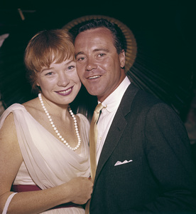 """""""Emmy Awards""""Shirley MacLaine, Jack Lemmon1959 © 1978 Bernie Abramson - Image 10744_0004"""