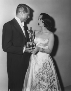 """Academy Awards - 30th Annual""Cary Grant, Jean Simmons1958**I.V. - Image 10764_0040"