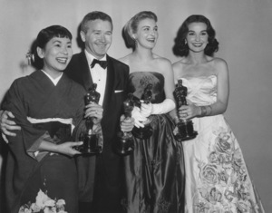 """Academy Awards 30th Annual""Miyoshi Umeki, Red Buttons, Joanne Woodward, Jean Simmons1958**I.V. - Image 10764_0057"
