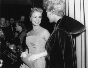 """Academy Awards - 30th Annual""Shirley Jones, Kim Novak1958**I.V. - Image 10764_0059"