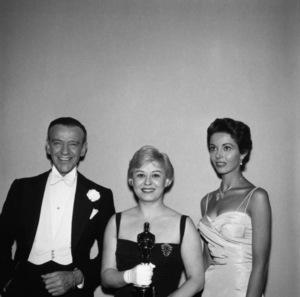 """The 30th Annual Academy Awards""Fred Astaire, Giulietta Masina, Dana Wynter 1958 © 1978 Bernie Abramson - Image 10764_0068"