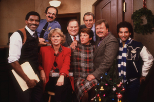 """Cagney & Lacey"" Carl Lumbly, Harvey Atkin, Sharon Gless, Al Waxman, Tyne Daly, Sidney Clute, John Karlen, Paul Mantee circa 1986 CBS Photo by Wynn Hammer - Image 10779_0001"