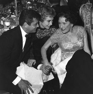 """Golden Globe Awards""Tony Curtis, Janet Leigh, Louella Parsons1958 © 1978 Bernie Abramson - Image 10782_0008"