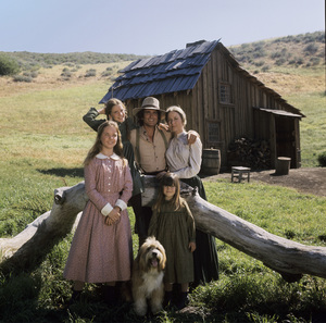 """Little House on the Prairie"" Rachel Lindsay Greenbush, Michael Landon, Melissa Sue Anderson, Karen Grassle, Melissa Gilbert 1974 ** H.L. - Image 10790_0115"
