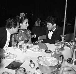 """Beverly Hilton Awards Dinner""Michael Todd, Elizabeth Taylor, Eddie Fisher1957 © 1978 Bernie Abramson - Image 10796_0006"
