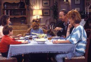 """""""Alf""""CastC. 1989 NBC © 1989 Gene TrindlMPTV - Image 10802_0040"""