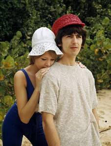 George Harrison and Pattie Boyd1964 © 1978 Gunther - Image 10838_0002