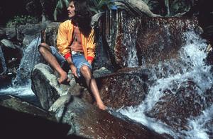 George HarrisonIn AcapulcoJanuary 1977 © 1978 Ed  Thrasher - Image 10838_0075
