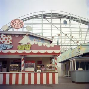 P.O.P. (Pacific Ocean Park) circa 1960 / Santa Monica, CA © 1978 Paul Hesse - Image 10849_0008