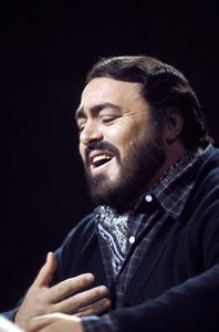 Luciano Pavarotti1982** H.L. - Image 10873_0010