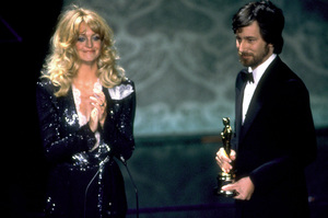 """""""Academy Awards: 52nd Annual,"""" Goldie Hawn and Steven Spielberg. 1980. © 1990 Gunther - Image 10877_0020"""