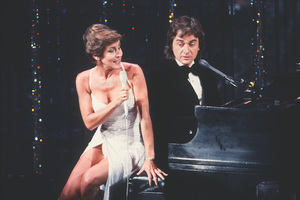 """""""Academy Awards - 52nd Annual""""Helen Reddy, Dudley Moore1980 © 1980 Gunther - Image 10877_0036"""