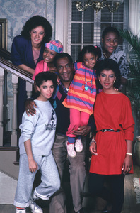 """Cosby Show, The""Keshia Knight Pulliam, Bill Cosby, Lisa Bonet, Tempestt Bledsoe, Sabrina Le Beauf, Malcolm-Jamal Warner, Phylicia Rashad1987Photo by Al Levine**H.L. - Image 10894_0075"