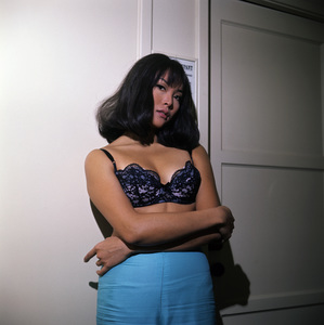 """Irene Tsu during the making of """"The Green Berets""""1967© 1978 David Sutton - Image 10972_0010"""