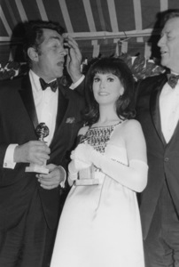 """Golden Globe Awards""Dean Martin, Marlo Thomas,John Wayne1967 © 1978 David Sutton - Image 10986_0009"