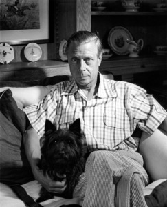 Duke of Windsor with pet dog 1948 © John Swope Trust - Image 10997_0005