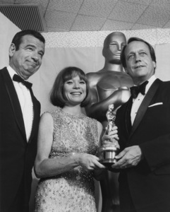 """Academy Awards: 46th Annual""Walter Matthau, Shirley Maclaine1974**I.V. - Image 11016_0018"