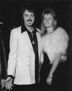 """Academy Awards: 46th Annual""Paul and Linda McCartney1974**I.V. - Image 11016_0019"