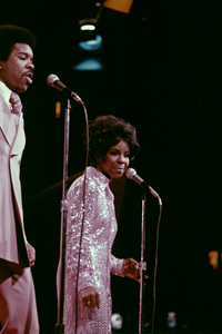 """""""Gladys Knight and the Pips"""" (Gladys Knight)1973** H.L. - Image 11035_0005"""