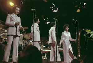 """Gladys Knight and the Pips"" (Gladys Knight, William Guest, Merald Knight, Edward Patten)1973** H.L. - Image 11035_0006"