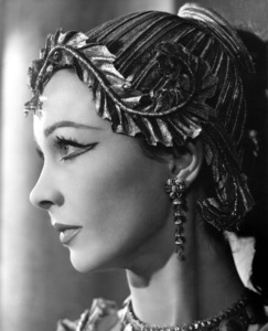 """Vivien Leigh in character for""""Anthony and Cleopatra"""" in the1951 theater production / **I.V. - Image 1112_0156"""