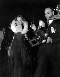 """Academy Awards - 11th Annual""Bette Davis1939** I.V. - Image 11134_0003"