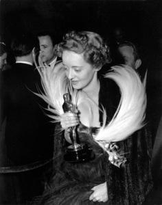 """""""Academy Awards - 11th Annual""""Bette Davis1939** I.V. - Image 11134_0004"""