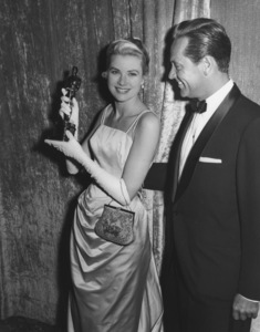 """Academy Awards - 27th Annual""Grace Kelly, William Holden1955**I.V. - Image 11156_0022"