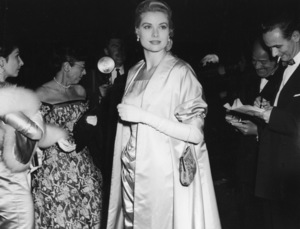 """Academy Awards - 27th Annual""Grace Kelly1955**I.V. - Image 11156_0035"