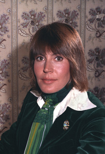 Helen Reddy1975 © 1978 Wallace Seawell - Image 11200_0002