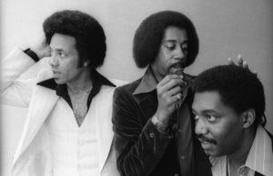 The Temptations in the Soul Train dressing room (Melvin Franklin, Otis Williams, Richard Street, Glenn Leonard, Dennis Edwards)circa 1978© 1978 Bobby Holland - Image 11308_0009