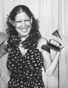 """""""Grammy Awards"""" Bette Midler wins Best New Artist of the Year, 1974Photo By Gabi Rona - Image 11459_0002"""