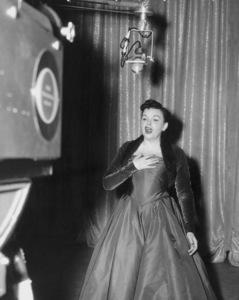 """Ford Star Jubilee""Judy Garland 1955 CBS Photo by Gabi Rona/** I.V. - Image 11475_0002"