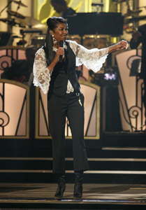 Natalie Cole performing live at the Kodak Theater in Hollywood for an Aretha Franklin Tribute 2006© 2006 Michael Jones - Image 11486_0010