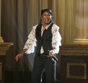 Natalie Cole performing live at the Kodak Theater in Hollywood for an Aretha Franklin Tribute 2006© 2006 Michael Jones - Image 11486_0016