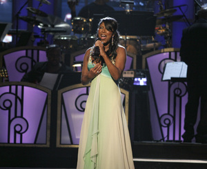 Natalie Cole performing live at the Kodak Theater in Hollywood for an Aretha Franklin Tribute 2006© 2006 Michael Jones - Image 11486_0020