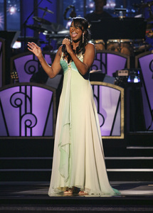 Natalie Cole performing live at the Kodak Theater in Hollywood for an Aretha Franklin Tribute 2006© 2006 Michael Jones - Image 11486_0022