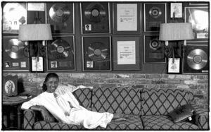 Natalie Cole at home in Los Angeles circa early 1980s© 1980 Michael Jones - Image 11486_0032