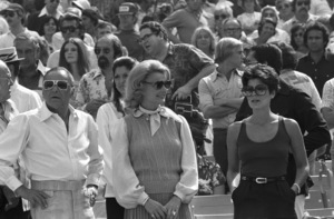 Frank Sinatra with Barbara Marx and daughter Tina at a Los Angeles Dodgers World Series game1977 © 1978 Gunther - Image 11503_0002