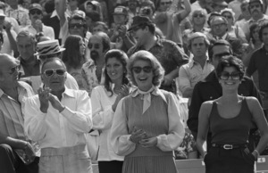 Frank Sinatra with Jilly Rizzo, Barbara Marx and daughter Tina at a Los Angeles Dodgers World Series game1977 © 1978 Gunther - Image 11503_0003