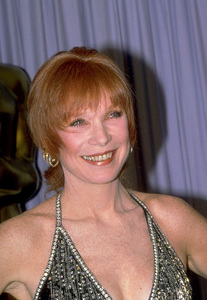 """""""Academy Awards: 59th Annual""""Shirley MacLaine1987 © 1987 Gunther - Image 11521_0005"""