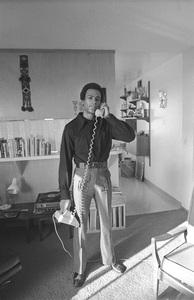 Huey Newtonat home1971 © 1978 Gunther - Image 11525_00