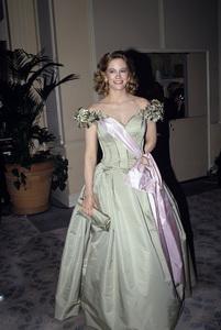 """The Golden Globe Awards""Cybill Shepherd1988 © 1988 Gunther - Image 11528_0015"