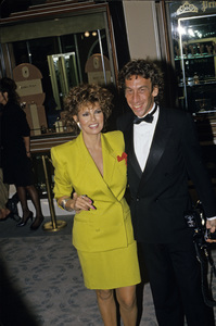 """""""The Golden Globe Awards""""Raquel Welch with husband Andre Weinfeld1988 © 1988 Gunther - Image 11528_0022"""