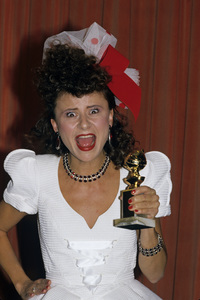 """The Golden Globe Awards""Tracey Ullman1988 © 1988 Gunther - Image 11528_0028"