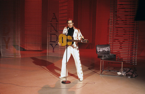 Andy Kaufman impersonating Elvis Presleycirca 1981** H.L. - Image 11563_0046