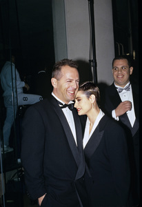 """The Golden Globe Awards""Bruce Willis with wife Demi Moore1991 © 1991 Gunther - Image 11568_0008"